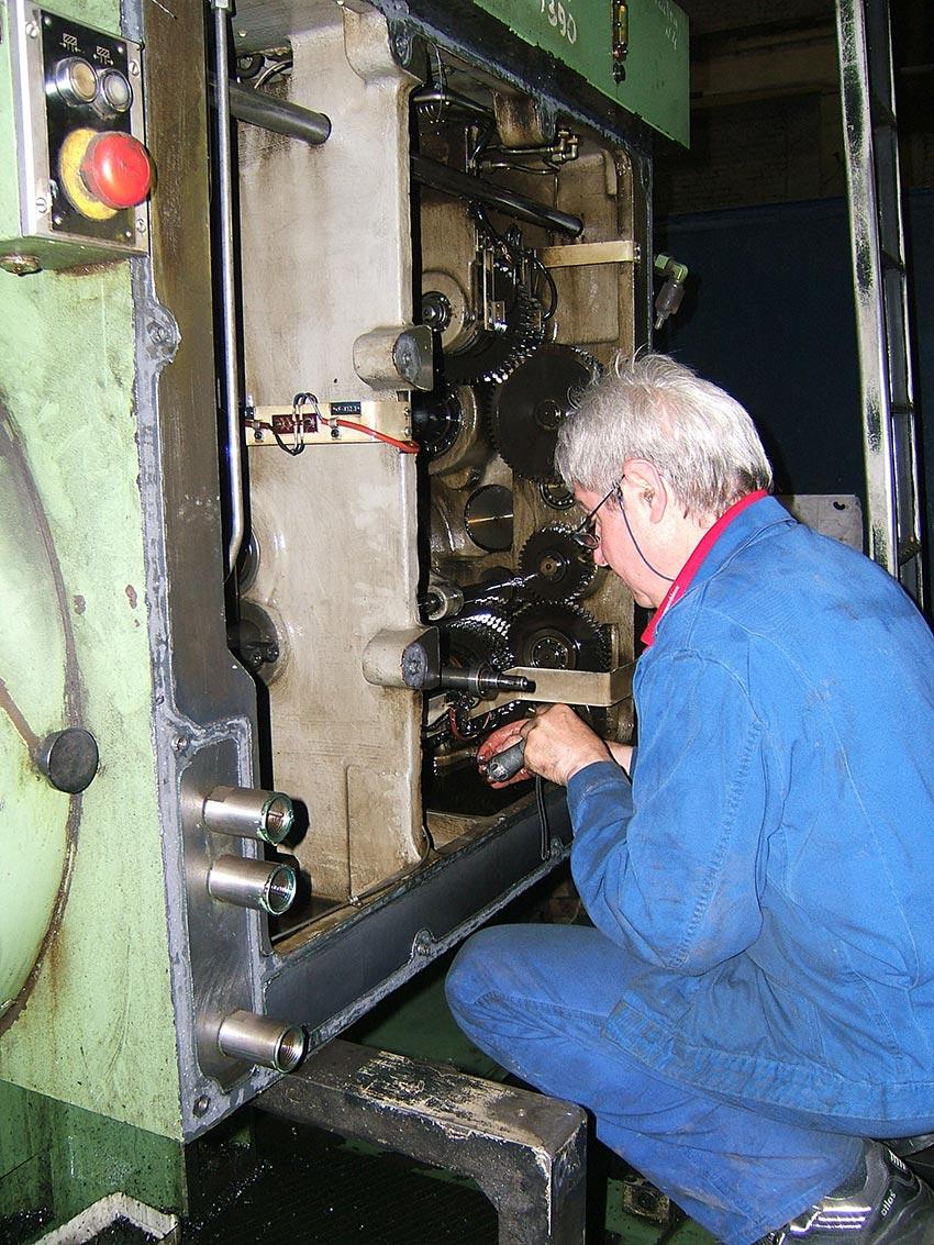 Reparatur und Instandsetzung Werkzeugmaschine